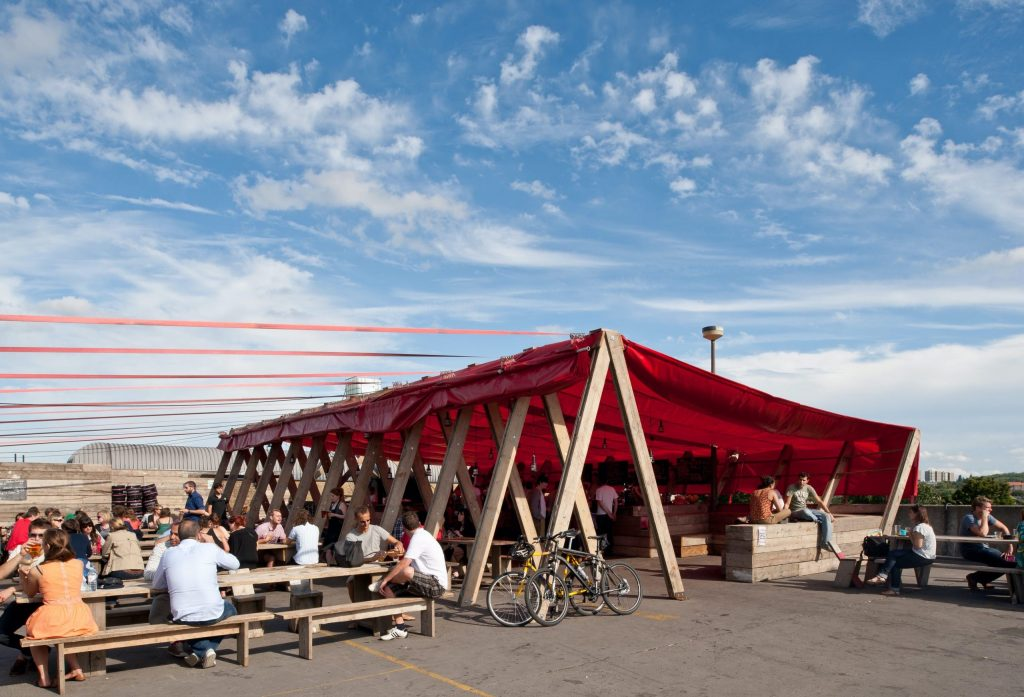 36 Places to Drink Outside in London 11
